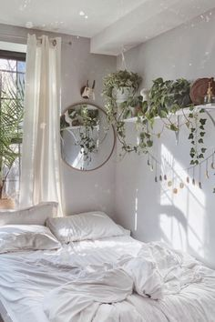 Bohemian Bedroom Decor And Bed Design Ideas Bohemian Bedroom D. - Bohemian Bedroom Decor And Bed Design Ideas Bohemian Bedroom Decor And Bed Design - Beautiful Bedrooms, Room Ideas Bedroom, House Rooms, Apartment Decor, Room Decor, Boho Bedroom Decor Hippie, Boho Bedroom Decor, Beautiful Bedroom Decor, New Room