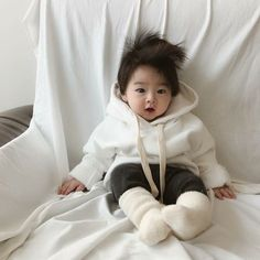 New baby boy twins ulzzang Ideas Cute Asian Babies, Korean Babies, Asian Kids, Cute Funny Babies, Cute Kids, Cute Chinese Baby, Chinese Babies, Cute Baby Pictures, Baby Photos