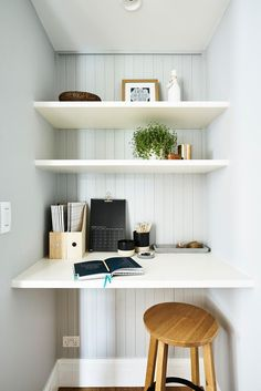 Just off the kitchen, the built-in desk and shelves in the study nook are MDF. - Just off the kitchen, the built-in desk and shelves in the study nook are MDF. Alcove Desk, Desk Nook, Office Nook, Home Office Space, Home Office Design, Home Office Furniture, Home Office Decor, Office Ideas, Office Layouts