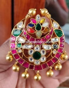silver metal with pure gold polish pendant sets, simple kundan pendant in silver metal Gold Pendent, Pendant Set, Simple Jewelry, Silver Jewelry, Gold Polish, Silver Hoop Earrings, Jewelry Design, Beaded Bracelets, Jewels
