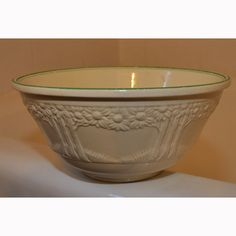 Old Homer Laughlin Mixing Bowl with Flower Tree Design Vintage Bowls, Vintage Dishes, Vintage Kitchen, Vintage Items, Antique China, Vintage China, Antique Stoneware, Homer Laughlin, Mixing Bowls