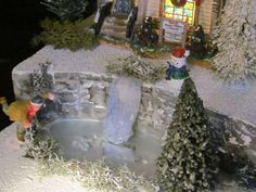 Christmas WATERFALL Frozen POND Village Display platform base Dept 56 North Pole