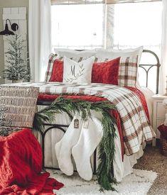 What Is Christmas, Christmas Tree Farm, Christmas Colors, Christmas Christmas, Bedroom Colors, Bedroom Decor, Bedroom Ideas, Bedroom Designs, Christmas Lights Wallpaper