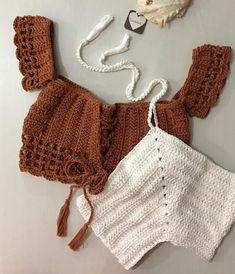 NEW! Croppeds disponíveis no WhatsAppShop 85 98639.0685 85 99956.7993 85 98750.1461 Diy Crochet Bikini, Diy Crafts Crochet, Crochet Crop Top, Crochet Blouse, Knit Crochet, Baby Bikini, Moda Academia, Crochet Summer Tops, Crochet Woman
