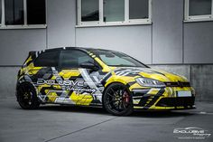 Yellow black Golf 7 GTI | DESIGN ATELIER TTSTUDIO