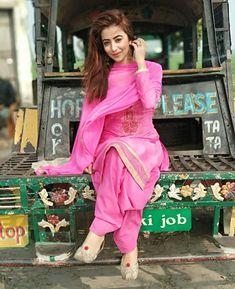 M-Preet Punjabi Girls, Punjabi Dress, Wedding Dresses For Girls, Girls Party Dress, Punjabi Fashion, Indian Fashion, Chico Indie, Patiala Salwar Suits, Shalwar Kameez