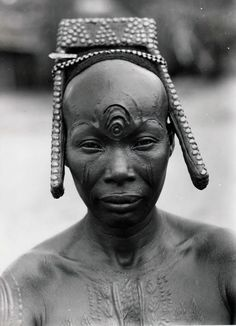 Bakutu woman. Tshuapa, Bodende, Belgian Congo (today, the Democratic Republic of…