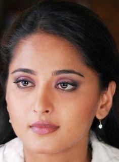 South Actress, South Indian Actress, Beautiful Indian Actress, Beautiful Saree, Anushka Latest Photos, Anushka Photos, Actress Aishwarya Rai, Bollywood Actress, Face Expressions