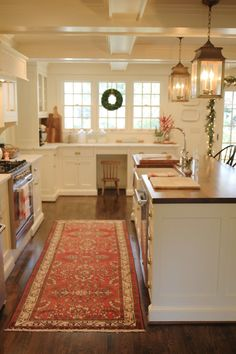 Entertaining Expert, Jenny Steffens Hobick, brings you a blog devoted to the glories of home entertaining, holidays and home projects.