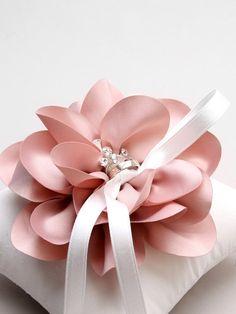 Rosa Ring Kissen erröten Ring Träger Kissen Rosa von louloudimeli