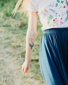 96 вподобань, 5 коментарів – Embroidery art for you (@iskra_hand_made) в Instagram: «Лёгкость и ветер . Скоро о с е н ь . Что она несёт ? • • #ISKRA_hm #summergirl #embroider…»