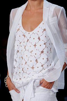 Enchanting, top y blusa algodón blanco