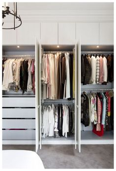 40 Fabulous Closet Designs And Dressing Room Ideas - EcstasyCoffee Bedroom Built In Wardrobe, Bedroom Built Ins, Bedroom Closet Storage, Bedroom Closet Design, Wardrobe Closet, Closet Designs, Small Built In Wardrobe Ideas, Master Closet, Small Dressing Rooms