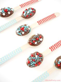 Easy Brigadeiro Chocolate Fudge Spoons Recipe by Bird's Party #chocolate #recipes #brigadeiro #4thofjuly #treat #kids