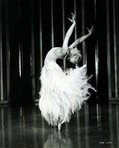 Harriet Hoctor in Shall We Dance (1937)