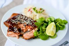 Łosoś teriyaki z makaronem ryżowym Fish And Seafood, Salmon Burgers, Tuna, Meat, Ethnic Recipes, Atlantic Bluefin Tuna