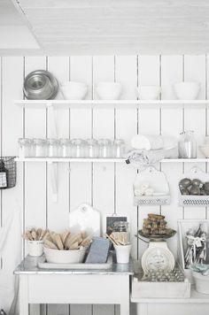 shabby design interior design designs decorating before and after Old Kitchen, Kitchen Pantry, Kitchen Art, Country Kitchen, Vintage Kitchen, Kitchen Dining, Kitchen Shelves, Bathroom Interior, Kitchen Interior