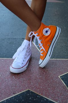 Mix and match. The Chuck Taylor All Star. Source by converse Converse Outfits, Converse Haute, Converse Style, Converse All Star, Converse Shoes, Platform Converse, Converse High, Custom Converse, Platform Pumps