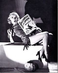 Classic Hollywood actress Betty Grabble, vintage Halloween pin-up girl photo