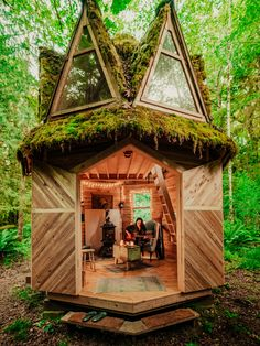 Tiny House Cabin, Tiny House Living, Tiny House Design, Tiny Cabins, Log Cabins, Tiny House Movement, Fairytale House, Off Grid Cabin, Cabins In The Woods