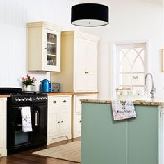 Modern Country Style: Case Study: Farrow and Ball Green Blue paint Click through for details. Dining Room Blue, Country Dining Rooms, Country Furniture, Country Decor, Modern Country Style, Country Style Homes, Country Paint Colors, Paint Colours, Blue Kitchen Paint