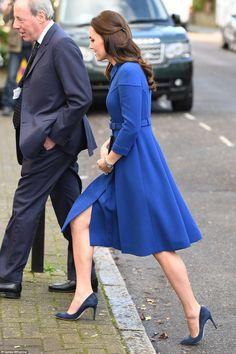 Foro Hispanico de Opiniones sobre la Realeza: La Duquesa de Cambridge visita el centro Anna Freud en Londres