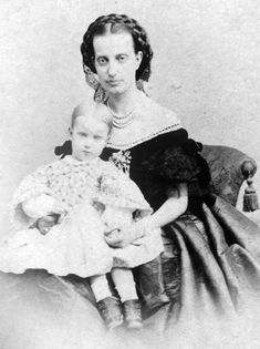 Archduchess Maria Isabella of Austria, Princess of Tuscany (1834 – 1901), Countess Trapani with her eldest daughter Princess Maria Antonietta of Bourbon-Two Sicilies (16 March 1851 – 12 September 1938) Countess of Caserta.
