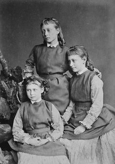 Princesses Victoria, Elizabeth, and Irene of Hesse, 1875 [in Portraits of Royal Children Vol.19 1874-75] | Royal Collection Trust