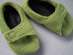 Fleece Toddler Slippers Tutorial.