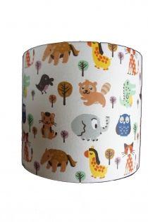 Wandlamp van eigen design, met schattige dieren! Geweldig voor de babykamer of kinderkamer. Tip: hang een wandlampje aan beide kanten van de commode!