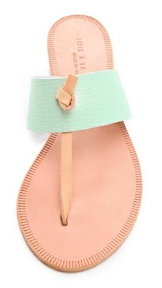 Wedding shoes sandals summer christian louboutin new Ideas Ankle Boots, Shoe Boots, Shoes Sandals, Mint Sandals, Pretty Sandals, Simple Sandals, Grunge Style, Soft Grunge, Vans Authentic