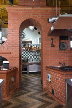 Reclaimed Wood Kitchen, Rustic Wood Box, Brick Cladding, Brick Flooring, Garden Fountains For Sale, Fake Fireplace, Fireplace Stone, Woods Restaurant, Wood Stove Cooking