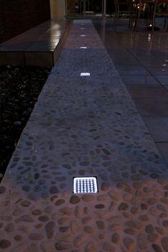 Solar Brick with Pebble Stone