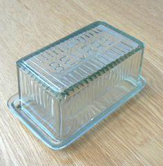 Beurrier rectangulaire en verre transparent Athezza