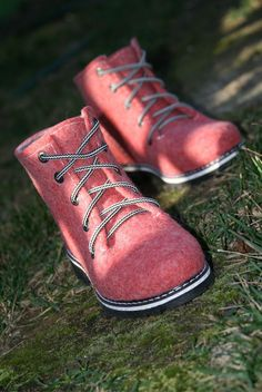 Felt Boots, Wool Shoes, Felted Slippers, Travel Shoes, Shoe Boots, Women's Shoes, How To Make Shoes, Spring Shoes, Luxury Shoes