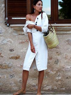 #allwhite #summer #summerdress #sommerkleid #ootd #islandlife #mallorca #offshoulder #feminine #romantic #look #outfit #helloshopping #effortless #minimal #streetstyle #fashionblogger #mango #committed #retro #classy #beachbag #style #vogue #whowhatwear #instyle