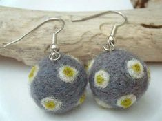 merino-wool-felt-earrings