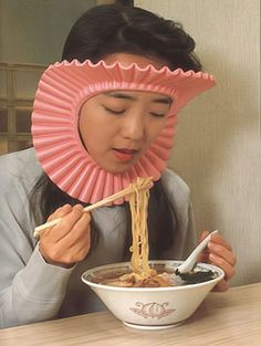 Protects your hair when you eat. because getting food in your hair would just look ridiculous. I need one of these LOL.I think my friend Devin needs this lol ;) or my sister in law cuz she spills everything lol love ya guys I Love To Laugh, Make Me Smile, Stupid Inventions, Awesome Inventions, Japanese Inventions, Just In Case, Just For You, For Elise, Haha Funny