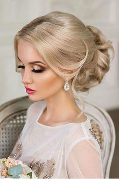 Utterly Gorgeous Vintage Wedding Hairstyles ❤ See more: http://www.weddingforward.com/vintage-wedding-hairstyles/ #weddings