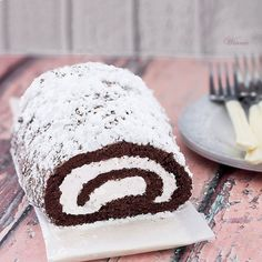 Chocolate roll with whipped cream - without flour - Flourless Chocolate Swiss-Roll - Gluten free sweet thing going - Vinnie's blog