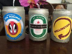 Vela Lata de Cerveja <br>Escolha a sua marca e o seu texto. <br>Válido somente para um modelo de rótulo <br> <br>TAMBÉM EM OUTRAS MARCAS DE CERVEJA! <br>O presente que agrada a todos, perfeito para enfeitar uma festa, um bar, dar de lembrança .. <br> <br>Kit de 5 unidades personalizadas <br> <br>Podendo também ser embalado e com um tag, consulte valor.
