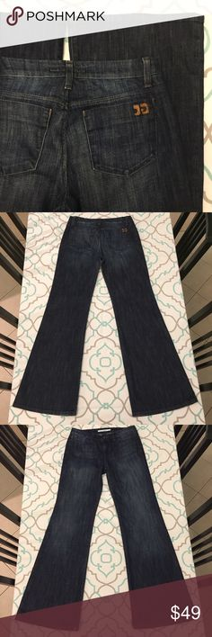 "💙👖GORGEOUS JOES JEANS👖💙28 5/6 Wide Leg Flare!! 💙👖Gorgeous Joe's Jeans👖💙 Size 28 (5/6). Fit: Gatsby. Glorious Wide Leg Flare. Dark Blue Wash. Light Fading. 32.5"" inseam. Excellent Used Condition! Almost Like New. A slight greenish patina on the buttons and metal logo. Probably copper. ; ) Awesome Stretch! Just Beautiful! Love Love Love!!! Ask Me Any Questions! : ) Joe's Jeans Jeans Flare & Wide Leg"