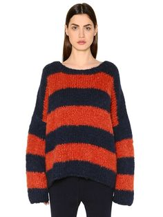CHLOÉ Oversized Wool & Cashmere Sweater, Red/Blue. #chloé #cloth #knitwear