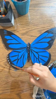 Butterfly Drawing, Butterfly Painting, Cool Art Drawings, Art Drawings Sketches, Diy Painting, Painting & Drawing, Diy Canvas Art, Doodle Art, Diy Art