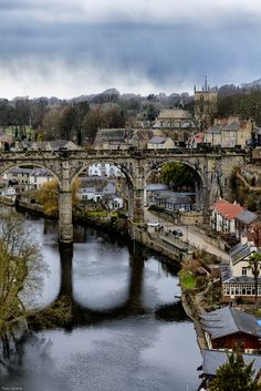 Knaresborough is an old and historic market town, spa town and civil parish in the Borough of Harrogate, North Yorkshire, England.jpg