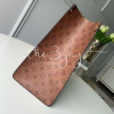 Material: Monogram Feature: Original Quality INCLUDES, DUST BAG 💵Cash app/ Venmo/ Zelle ONLY Payment!! Paypal and Amazon pay will be canceled!! 14-21 business days process before shipping Louis Vuitton Neverfull Damier, Lv Shoes, Beige Shoes, Dust Bag, Monogram, App, Vuitton Bag, The Originals, Amazon
