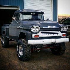 old pickup trucks Chevy Pickup Trucks, Gm Trucks, Chevrolet Trucks, Cool Trucks, Chevy 4x4, Chevrolet 3100, Chevy Pickups, Diesel Trucks, Gm Chevy