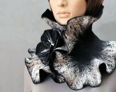 Felted ruffle scarf / Hand Felted Scarf collar / Wearable art neck warmer ruff / Black scarf with felted brooch flower / Made to order Crochet Ruffle Scarf, Crochet Granny, Hat Crochet, Felting Tutorials, Knitting Tutorials, Knitting Patterns, Scarf Tutorial, Soutache Jewelry, Nuno Felting