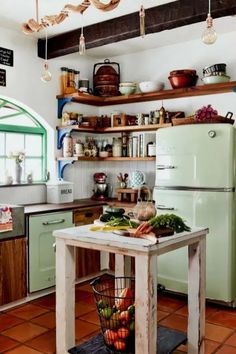 13 Must See Retro Big Chill Kitchen Layouts A blast from the past and a view of the future? These 13 inspiring kitchen layouts feature pieces from our… Continue reading > Eclectic Kitchen, Boho Kitchen, New Kitchen, Vintage Kitchen, Kitchen Ideas, Kitchen Designs, 1950s Kitchen, Kitchen Small, Kitchen Modern