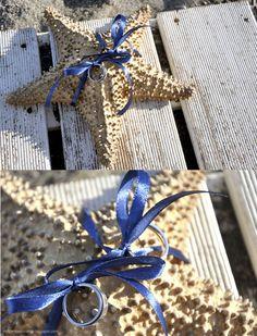http://malgenioworkshop.blogspot.com.es/2012/07/una-boda-en-la-playa-beach-wedding.html    wedding | beach | blue | rings | sea | star